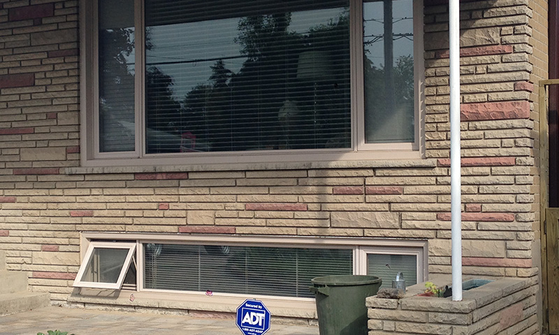 window-replacement-mississauga_0009_Photo 2013-09-12, 10 07 30 AM